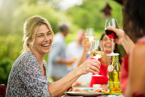 How to stay safe when meeting with family and friends this summer